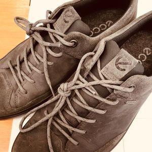 Size 7 nice men shoes